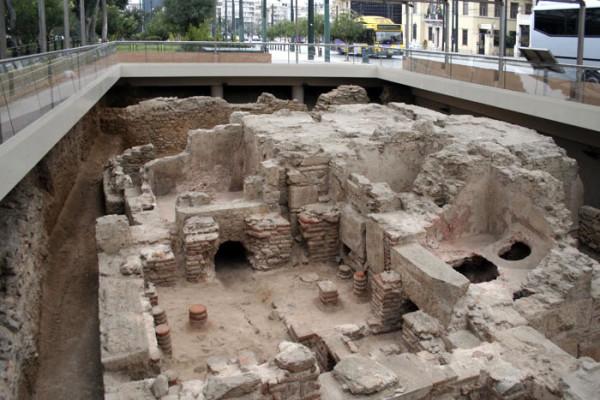 Археологические раскопки древнегреческой бани.