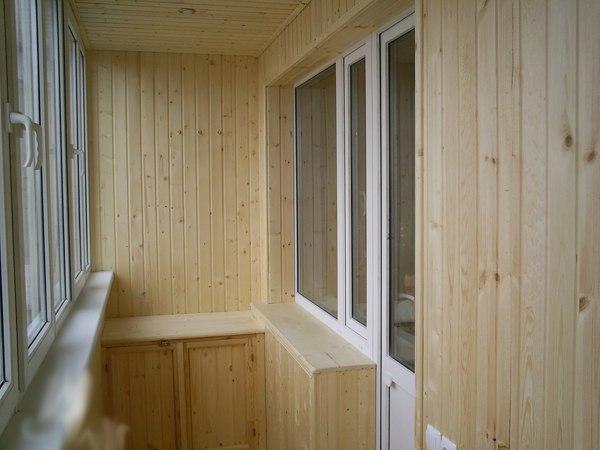 Балкон должен быть полностью готовым и даже зашитым