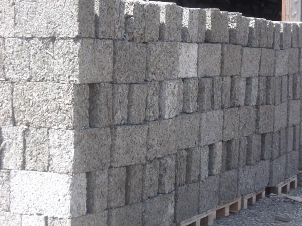 Блоки на просушке после изготовления.