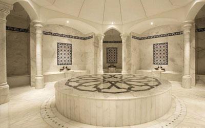 Большой мраморный зал турецкой бани