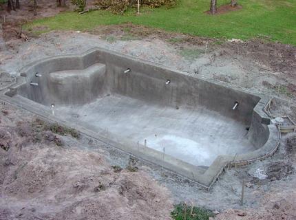 Чаша бассейна готова