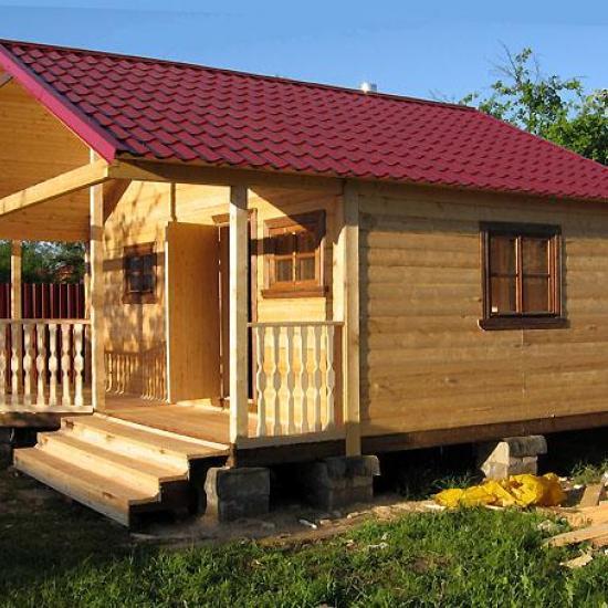Деревянные постройки наиболее типичны для наших широт