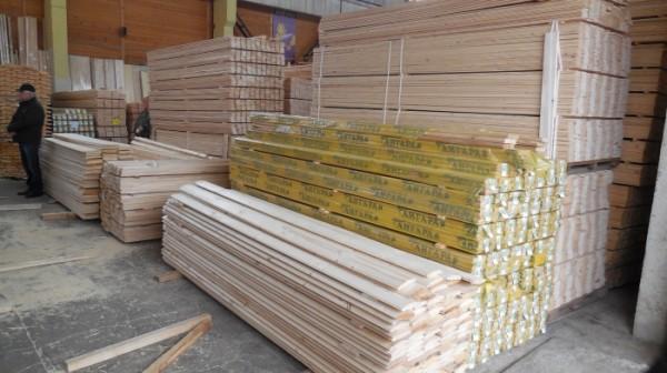 Для изготовления изделий для бань используют определенные породы древесины.