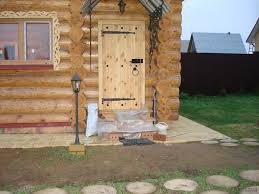 Двери обычно делают не очень большие