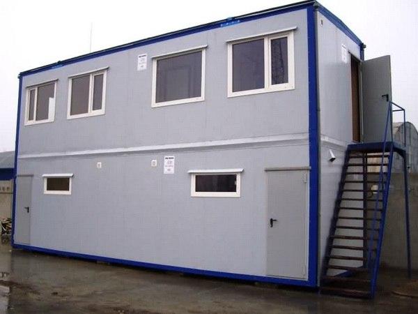 Двухэтажные контейнерные сооружения весьма типичны