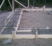 Фундамент, залитый бетонным раствором