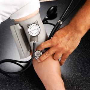 Гипертоникам стоит заранее проверить давление