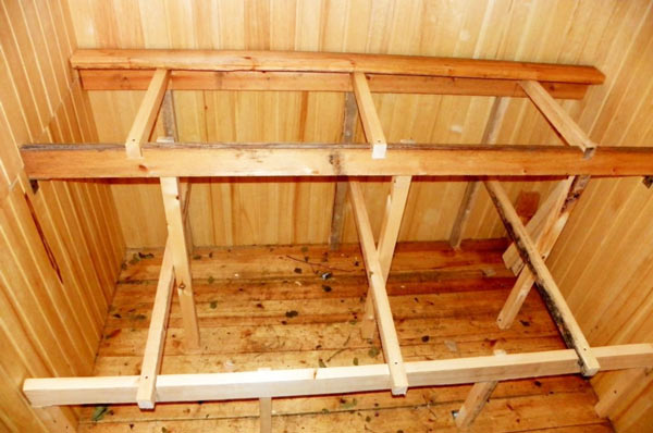 Каркас полок, примерный вид того, как закреплять конструкцию