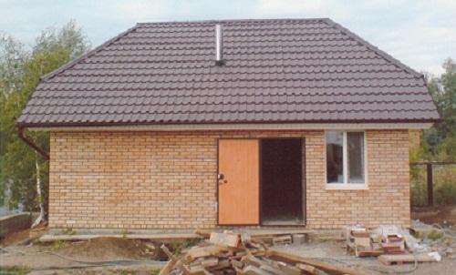 Кирпичное строение – вполне приемлемый вариант в большинстве случаев!