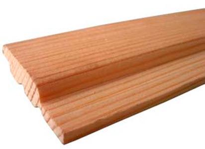 На фото то, что и называется этим простым незатейливым словом «вагонка» - профилированная полоска древесины