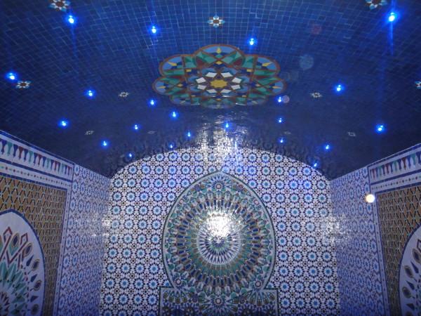 Оригинальное освещение потолка