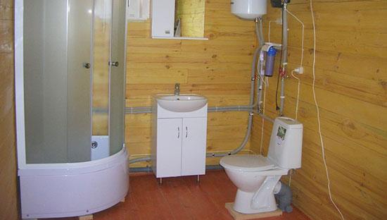 Полностью оборудованная система водоснабжения в сауне
