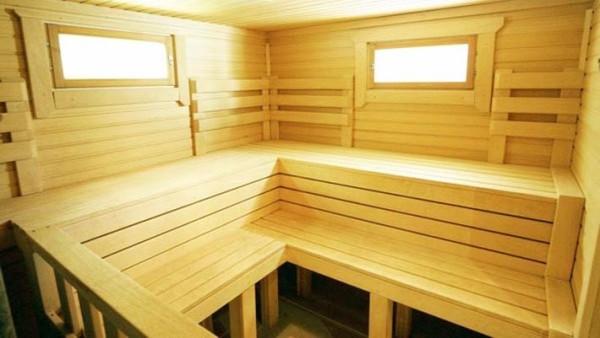 Прямоугольные деревянные окна со стеклопакетом для бани