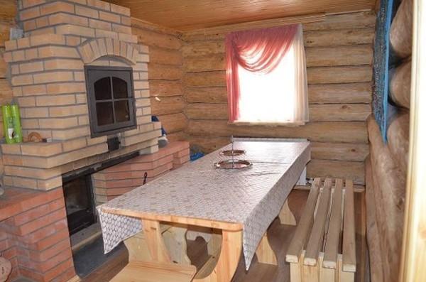 Смежные с парилкой помещения можно стилизовать под русскую баню.