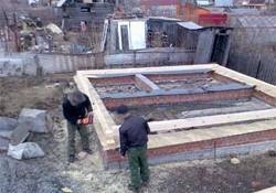 Сооружение фундамента для бани на дачном участке