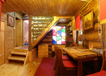 Совмещенная баня имеет все удобства жилого дома.