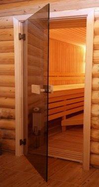 Стеклянная дверь в сауну