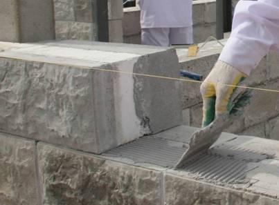 Стройка бани из блоков: кладем стены