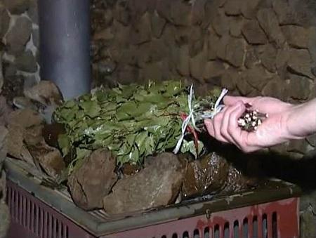 Сушка веника на каменке