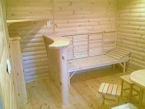 Топчан – полезная вещь в комнате для отдыха