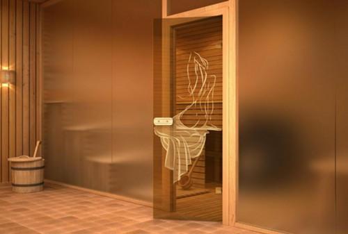 Украшенная дверь для сауны из стекла