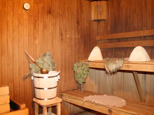 Влажный термометр, расположенный под потолком парилки