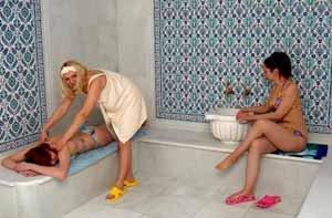 Возможно, вас привлечёт построить сауну своими руками по турецкому образцу – здесь не так жарко, зато много воды