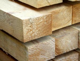 Желательно выбирать для строительства бани брус хвойных пород. например сосновый.