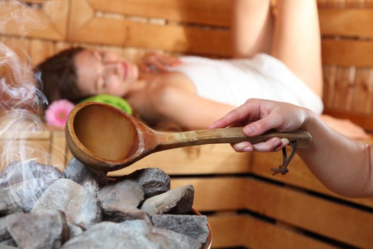 О пользе и вреде бани для женского организма