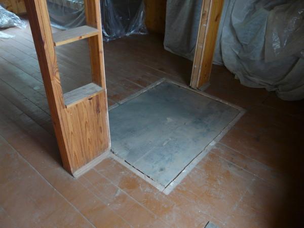 Банная печь требует отдельного фундамента.