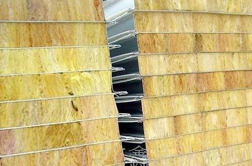 Баня из осп панелей – это ещё и дополнительно утеплённая баня, если используется вариант панели с утеплителем