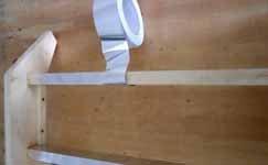 Четвёртый этап – подготовка мест для стекла и самих стёкол