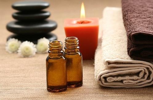 Эфирное масло для бани способно увеличить оздоровительный эффект, и всегда благоприятно влияет на кожу