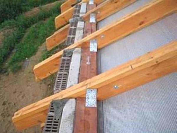 Этапы строительства банной крыши