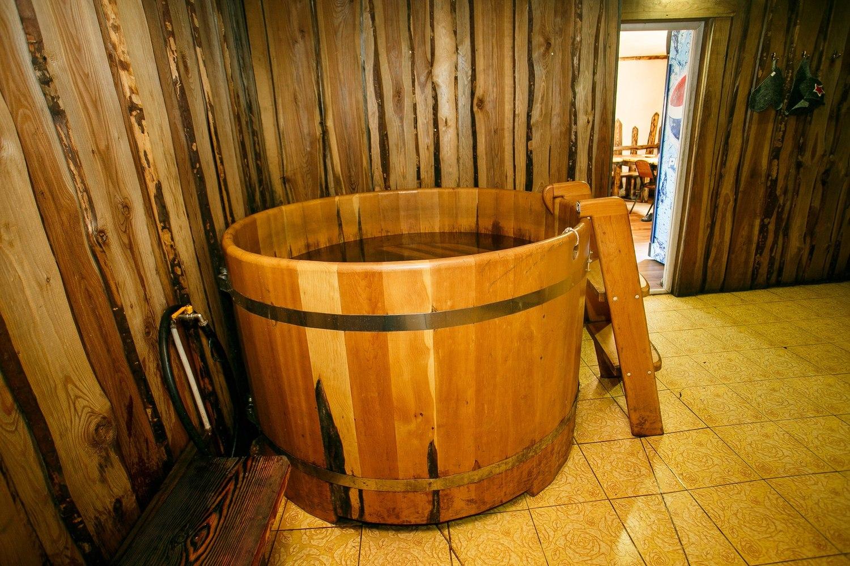Деревянная купель в бане