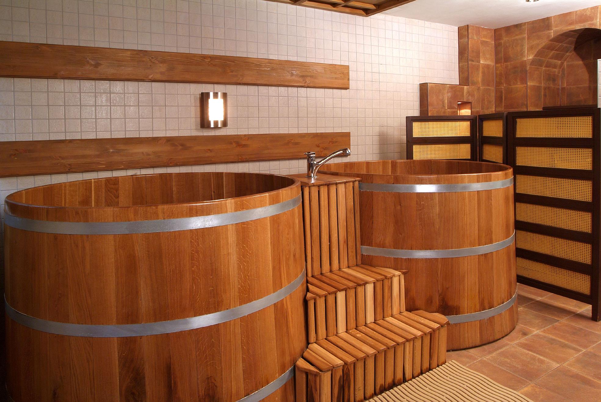 Деревянные купели в бане
