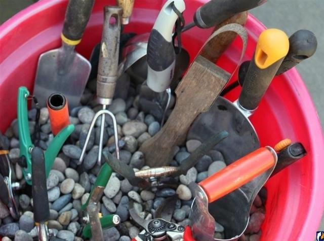 Хранение острых инструментов
