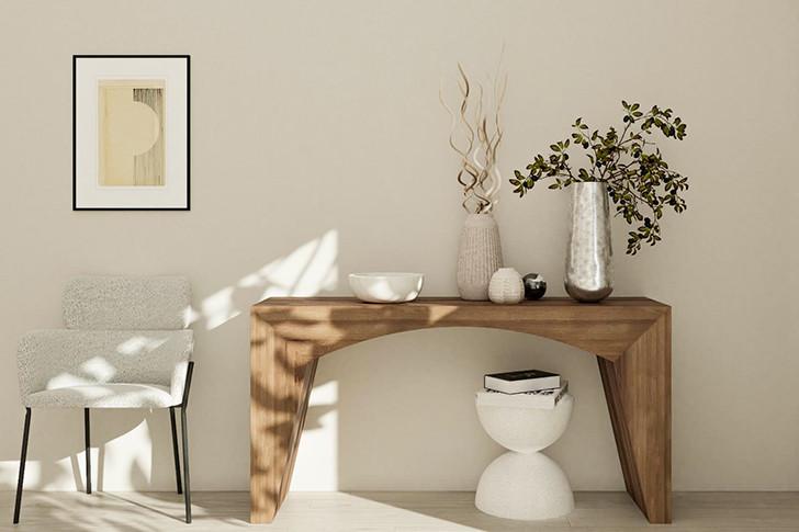 Спокойная кремово-серая гостиная, уютные и теплые тона