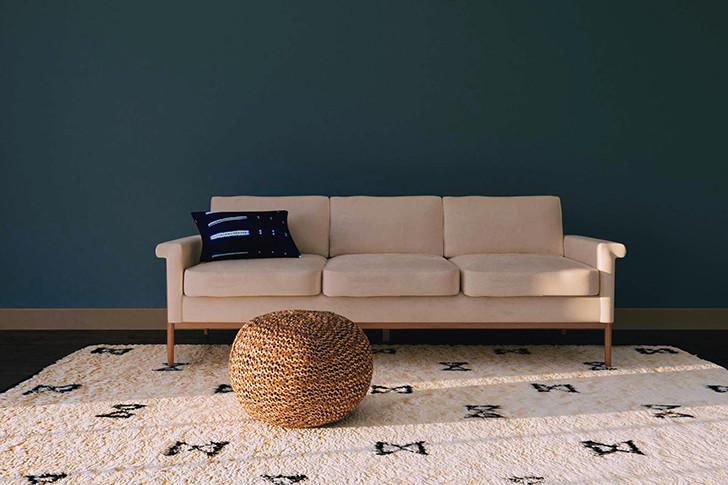 В моде, как и в прошлом году, останутся естественные теплые природные цвета, простые орнаменты и текстуры