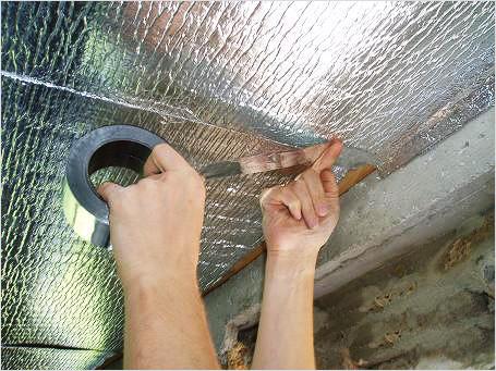 Фольгоизол – оптимальный материал для утепления потолка бани.