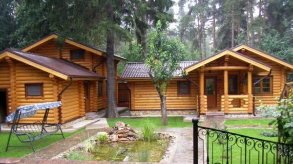 Баня, построенная отдельно от домаПреимущества русской бани отдельно от дома
