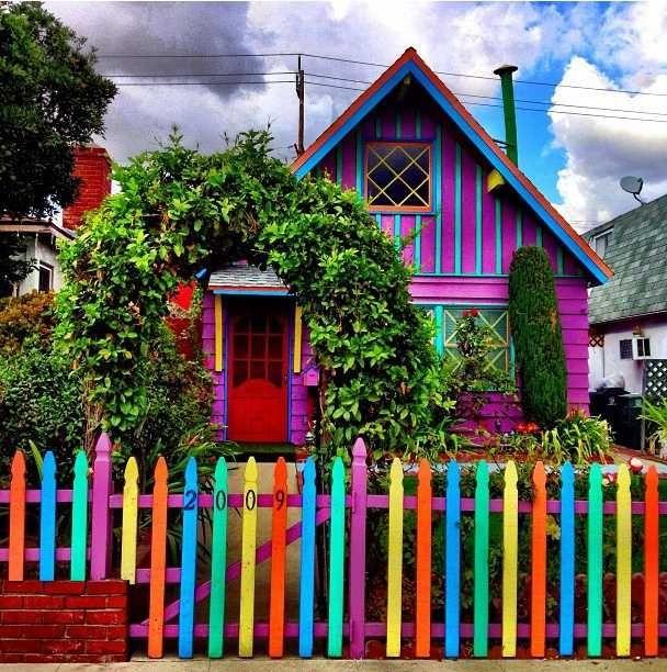Сказочный домик на дачном участке