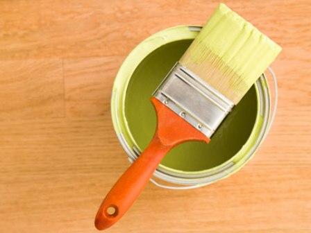 Инструмент и материал для покраски пола в сауне