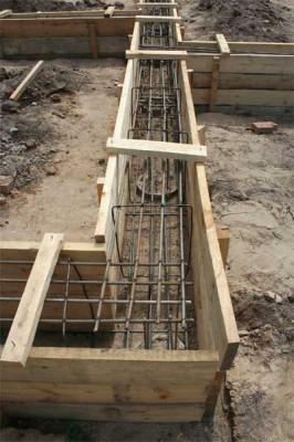 Металлическая решётка для укрепления структуры