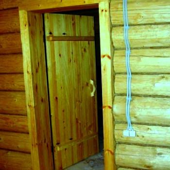 На фото готовая дверь