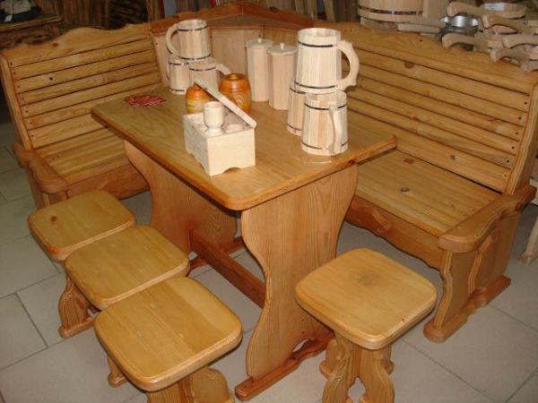 На фото показана мебель из дерева
