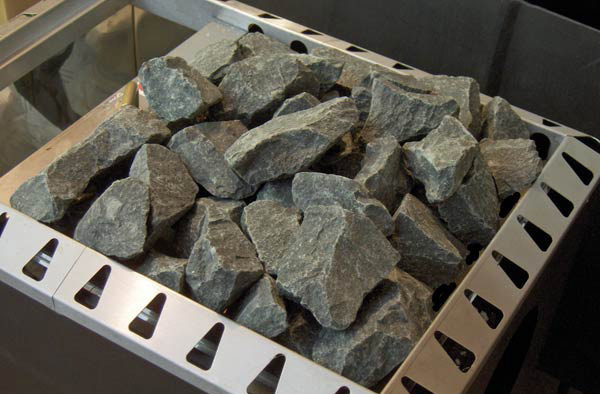 На фото показаны камни для печи в бане.