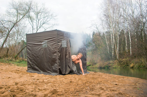 Палатка для бани на природе