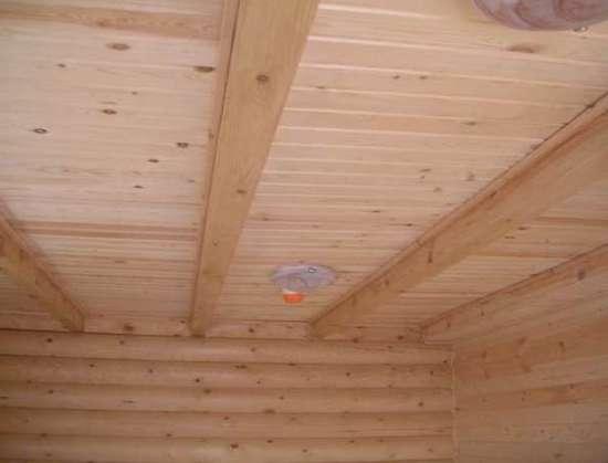 Панельный потолок.