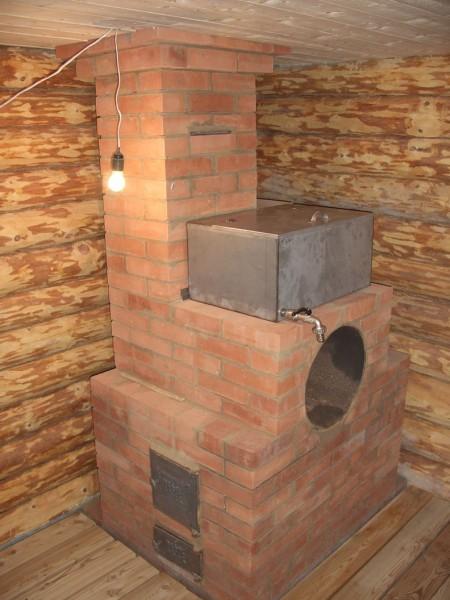 Печь для бани из кирпича на отдельном фундаменте